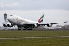 Despegue de Boeing 747 de los emiratos Imagen de archivo libre de regalías