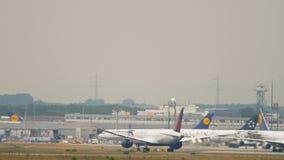 Despegue de Boeing 787 Air Canada almacen de metraje de vídeo