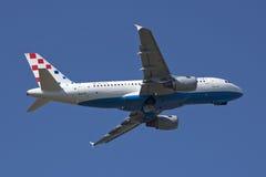 Despegue de Croatia A319 del aire Fotografía de archivo