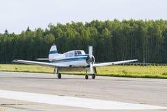 Despegue de los aviones Imagenes de archivo