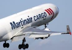 Despegue de Martinair MD-11 Imagen de archivo libre de regalías