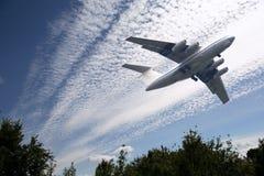 Despegue del aeroplano del pasajero Imágenes de archivo libres de regalías