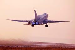 Despegue del avión militar Imagen de archivo libre de regalías