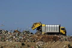 Despejando o lixo Foto de Stock Royalty Free