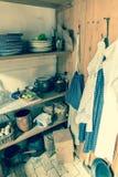 Despensa velha da exploração agrícola da cozinha do tempo Fotografia de Stock