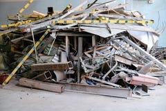 Desperdício da construção no canteiro de obras fotografia de stock