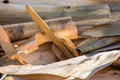 desperdício de madeira e aparas de madeira processados Fotos de Stock
