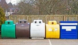 Desperdício de Recyling em recipientes separados. Fotografia de Stock Royalty Free
