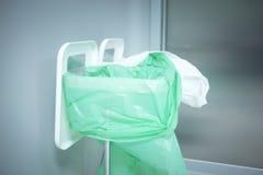 Desperdícios ortopédicos do lixo do hospital da cirurgia do Traumatology Fotos de Stock