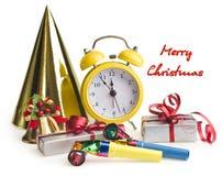 Despertador con los regalos de Navidad Fotografía de archivo libre de regalías