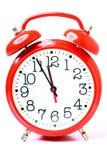 Despertador vermelho do estilo velho isolado Fotos de Stock Royalty Free