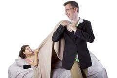 Despertar a la hija Fotografía de archivo libre de regalías
