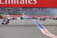 Desplome de Nico Hulkenberg Sahara Force India y de Marcus Ericsson Sauber al inicio de la raza Fotografía de archivo libre de regalías