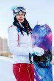 Desportista novo na estância de esqui fotografia de stock