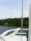Desporto de barco acima do rio Imagens de Stock