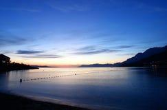Después de la puesta del sol sobre un mar Fotografía de archivo libre de regalías