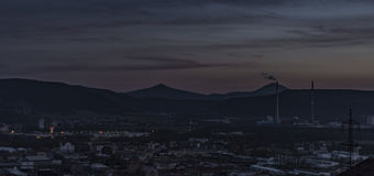Después de puesta del sol en Usti nad Labem Foto de archivo