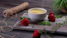 Dessert à la crème délicieux