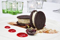 Dessert alla panna del ghiaccio Immagine Stock