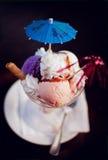 dessert alla panna variopinto del ghiaccio Fotografia Stock