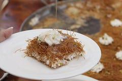 Dessert arabe dans un plat Images libres de droits