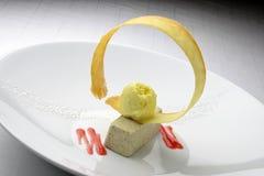 Dessert bavarois avec les olives et la crème glacée 2 Photographie stock libre de droits