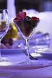 Dessert bij restaurant Royalty-vrije Stock Afbeelding