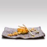 Dessert Cake met frambozensaus Stock Afbeelding