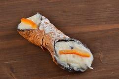 Dessert: Cannolo Siciliano In un ristorante immagine stock libera da diritti