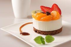 Dessert crema con frutta Immagine Stock