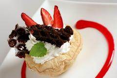Dessert crema con la fragola Fotografia Stock