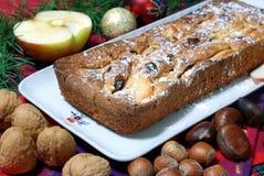 Dessert dat met appelen en rozijnen wordt gemaakt Stock Afbeelding
