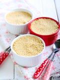 Dessert de baie d'écrimage de croustillant de biscuits Image stock
