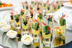 Dessert de baie dans des verres à liqueur Photos stock