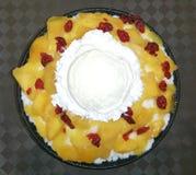 Dessert de canneberge de mangue Photographie stock libre de droits