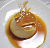 Dessert de caramel Photos stock