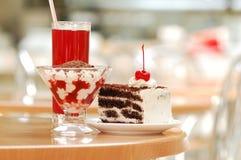 Dessert de cerise Photographie stock libre de droits