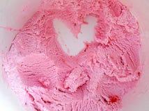 Dessert de crème glacée de fraise d'amour Photographie stock libre de droits