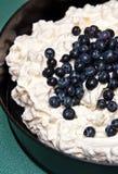 Dessert de crème glacée de meringue Photographie stock