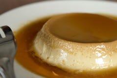 Dessert de flan d'une monnaie de caramel Images libres de droits