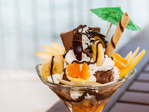 Dessert de macédoine de fruits Photo stock