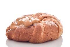 Dessert de pudding de crème anglaise de vanille sur le croissant Photographie stock libre de droits