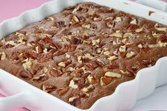Dessert de secteur de chocolat avec la noix photo stock