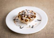 Dessert del canestro del caramello Immagini Stock