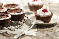 Dessert del cioccolato servito con un cucchiaio Immagine Stock