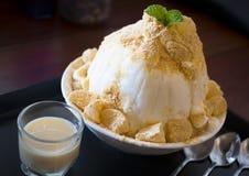 Dessert del ghiaccio raso Coreano di Bingsu Fotografia Stock