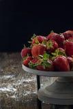 Dessert della fragola sulla tavola Immagini Stock