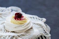 Dessert della meringa Fotografia Stock