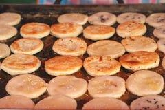 Dessert della Tailandia, farina della miscela, noce di cocco ed allora fritto Immagine Stock Libera da Diritti