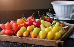 Dessert di forma della frutta o choop di sguardo in Tailandia fotografie stock